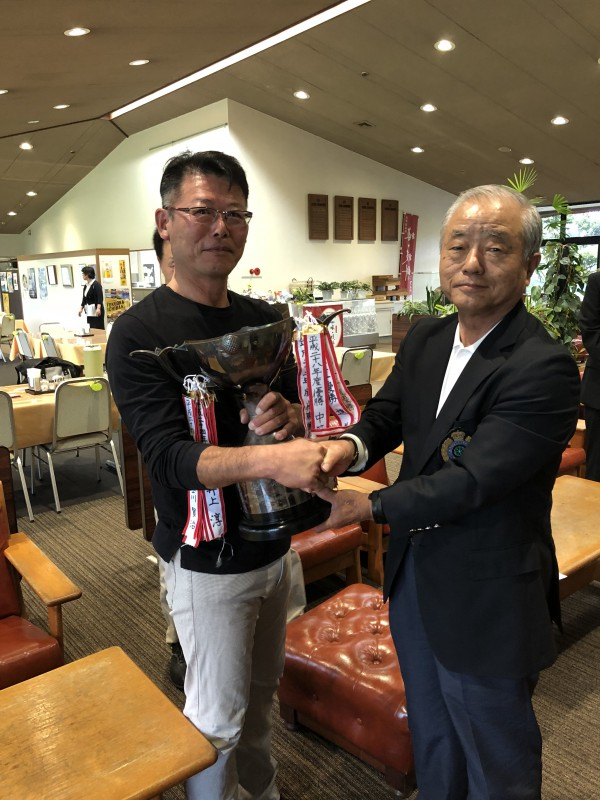 優勝された松本選手と岡住キャプテン