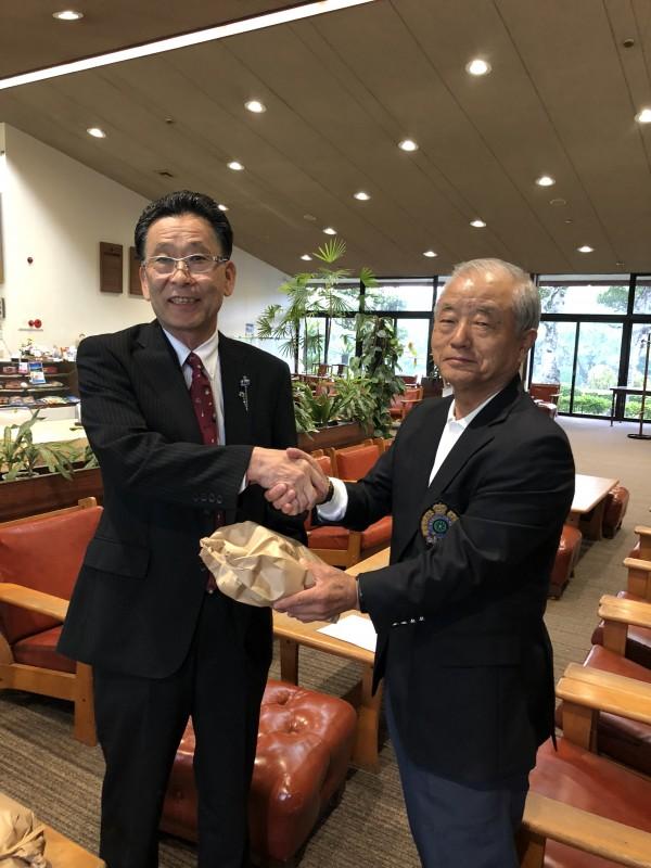 第5位入賞の渡邉選手と岡住キャプテン